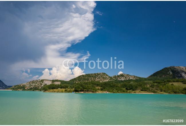 Foto su tela castel san vincenzo is il lago scopri moderne